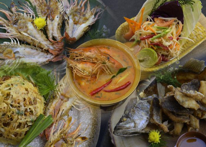 เมนูอาหารไทยเลิศรสที่ต้องไปลอง ที่ร้านCruise Restaurant สีลม ซอยธนิยะ