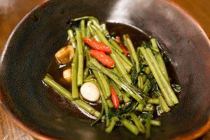 ผักบุ้งไฟแดง ผัดผักบุ้ง เมนูผัก อาหารไทย