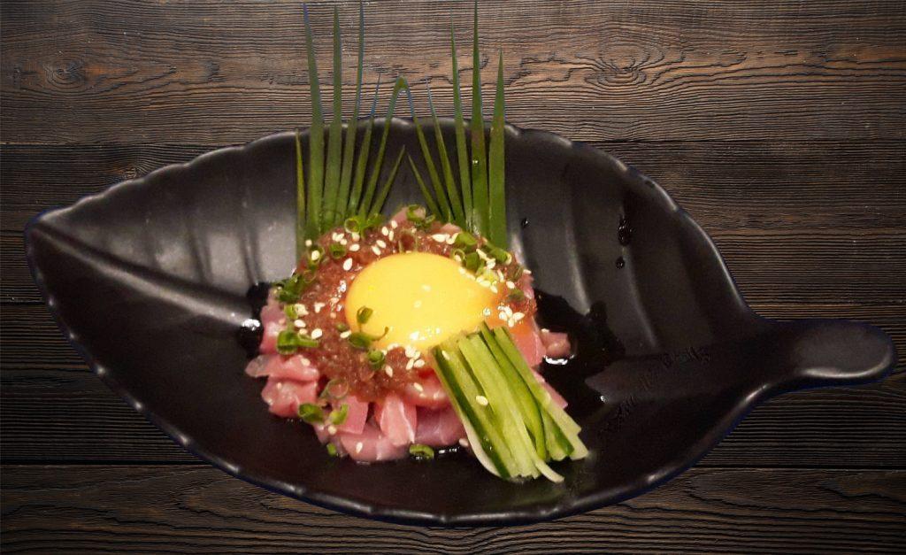 ปลามากุโร่หมักไข่แดง เมนูบำรุงสมอง Cruise Restaurant ซอยธนิยะ