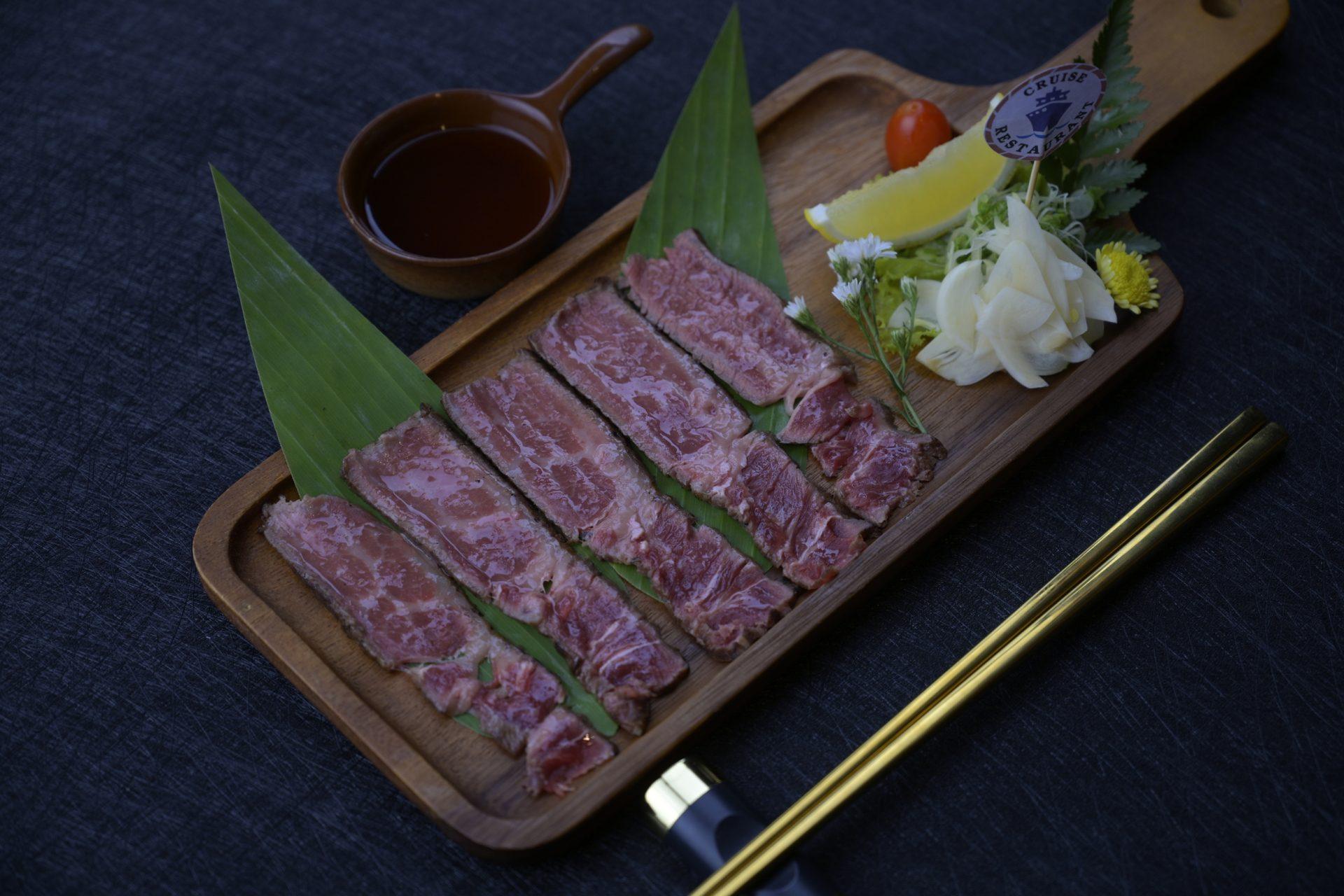 กิวทาทากิ เนื้อย่างสไตล์ญี่ปุ่น เนื้อย่าง เนื้อชั้นดี อาหารญี่ปุ่น