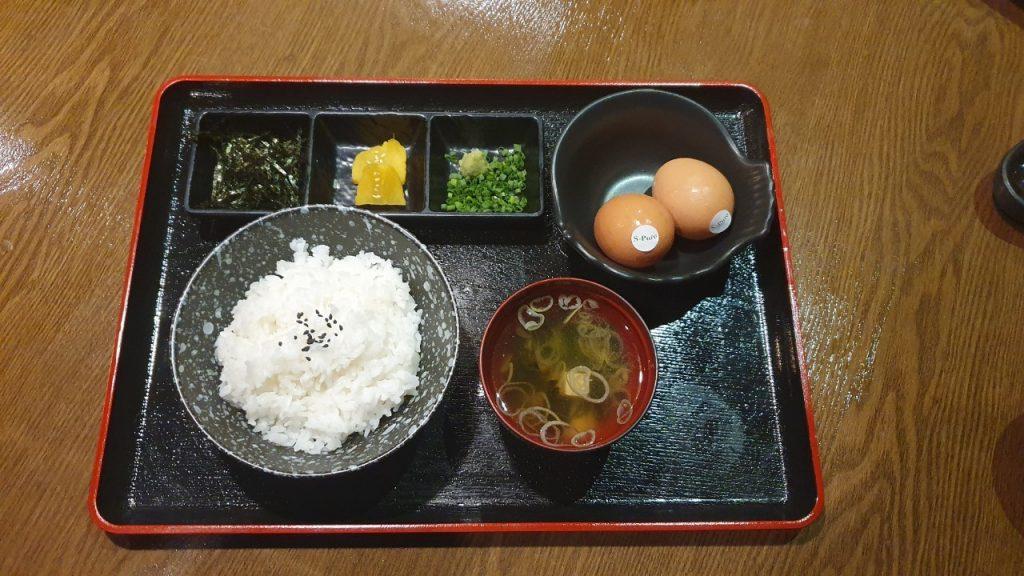 เซ็ตไข่กับข้าว เมนูเซ็ตข้าว ในรายการอาหารญี่ปุ่น