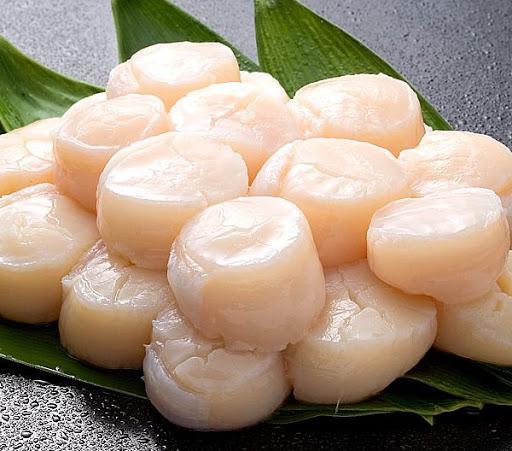เมนูซาซิมิ ที่นำเนื้อหอยโฮตาเตะสด