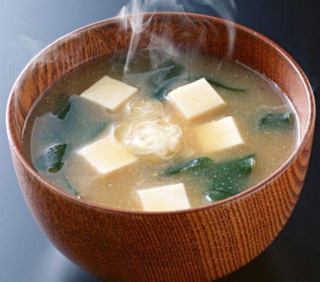 ซุปมิโซะ 5 เมนูอาหารแก้อาการเมาค้าง