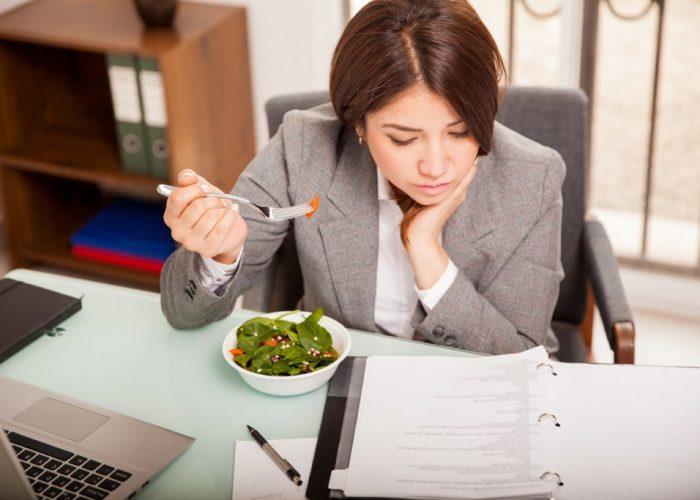 อาหารเที่ยงเพิ่มพลังช่วงบ่าย ร้าน Cruise Restaurant ถนนศาลาแดง ซอยธนิยะ