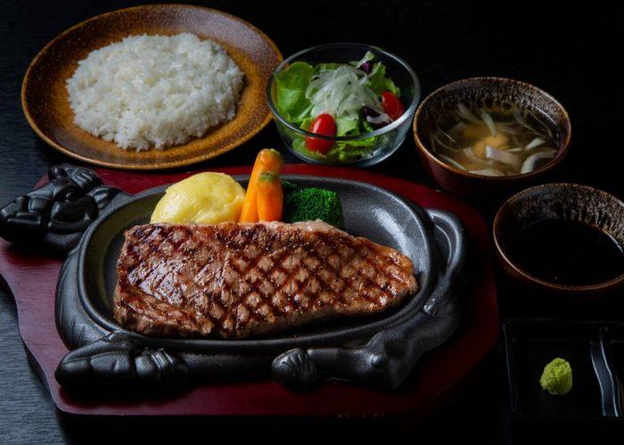 ร้านอาหารญี่ปุ่นครูซ ซอยธนิยะ ถนนสีลม กับเมนูสเต็กเนื้อชิ้นใหญ่ สุดพิเศษ